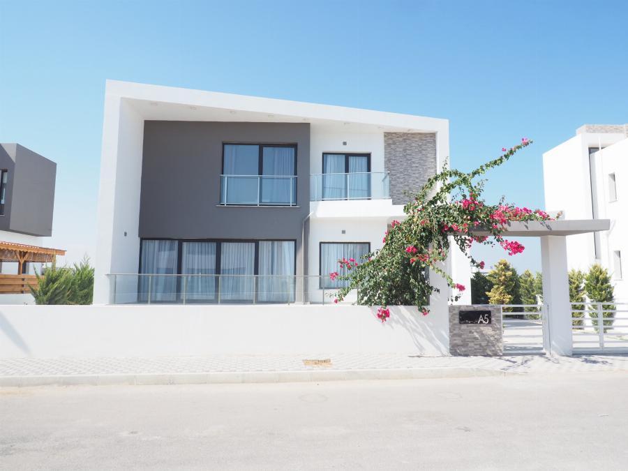 3 bedroom Luxury villa Ref. NC7756