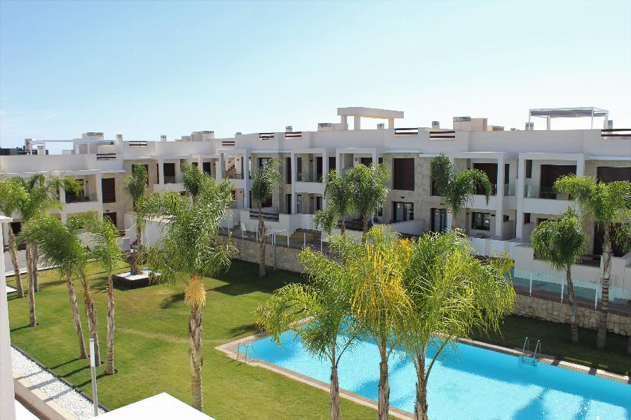 Beautiful natural and warm 3 bedroom PENTHOUSE in Los Balcones - Torrevieja Ref. SPA10