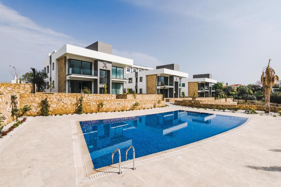 Two Bedroom Luxury Apartments with Views Ref. NC7804
