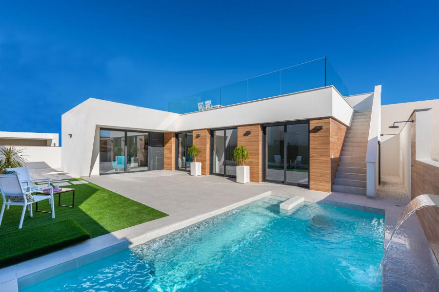 Beautifully designed villas on plots of more than 400 m2 near the Mediterranean Sea. Ref. SPA1611
