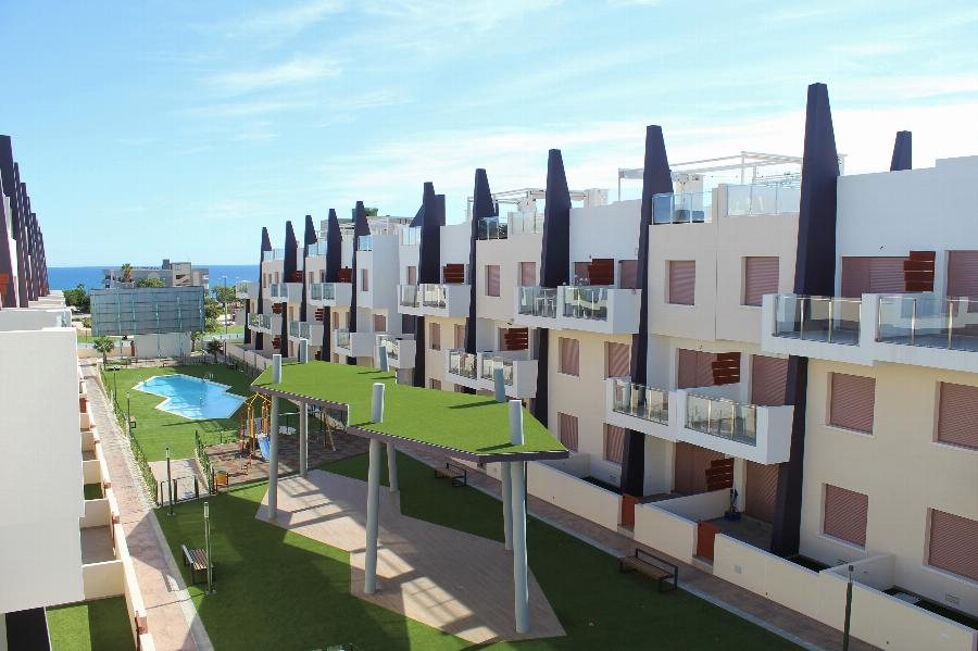 Lovely 2 bedroom penthouses within walking distance of the Mediterranean Sea Ref. SPA1629