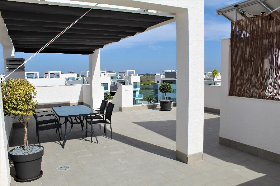 Fully furnished 3 bedrooms Penthouse in a luxurious residential area at Guardamar near the Mediterranean sea.  Ref. SPA1649