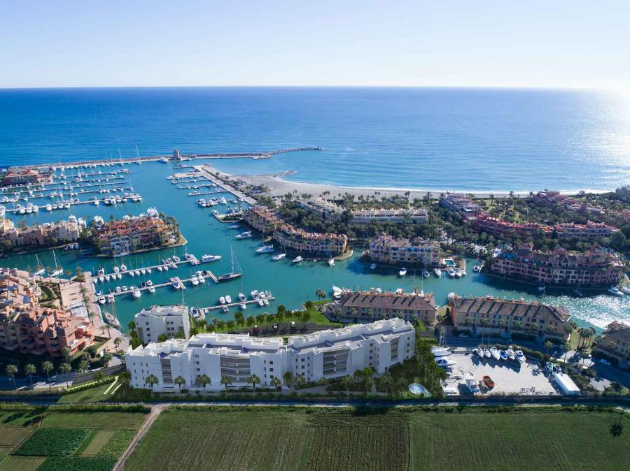The dream of living by the SEA! Contemporary super luxurious 4 bedroom apartments at PIER 1 Sotogrande CADIZ Ref. SPA1665