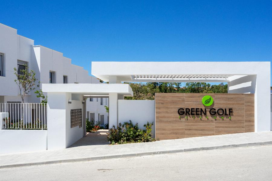 Brand New Townhouses Green Golf at the Espona Golf at the heart of the Costa del Sol Ref. SPA1664