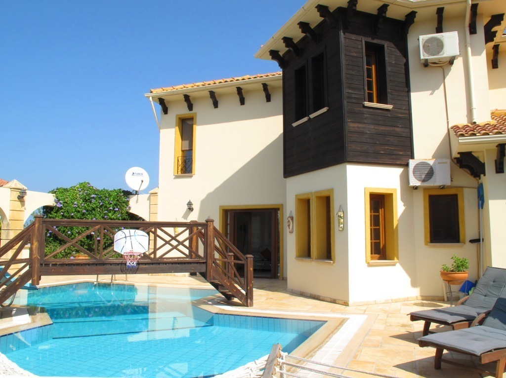 Bellapais Villa with 3 Bedrooms  Ref. NC246